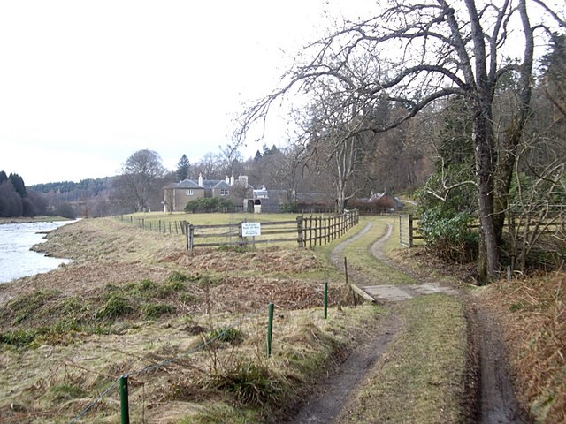 Access to Woodend House from the south