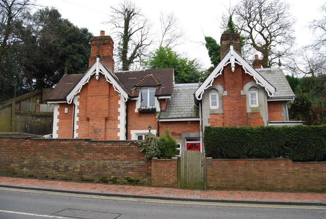 The Old Stables, Sandrock Rd