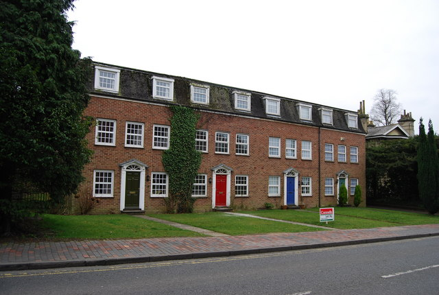 Modern Neo-Georgian houses, Lansdowne Rd