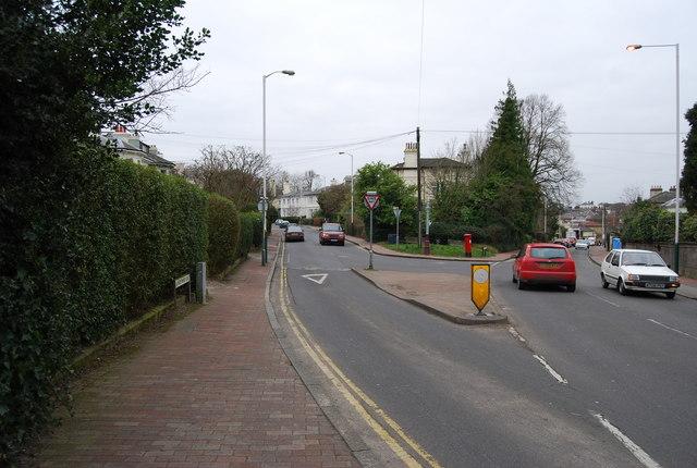 Lansdowne Rd, Garden Rd junction