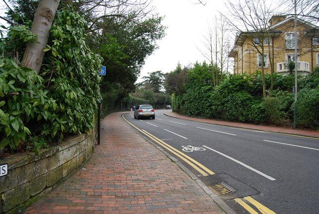The A264, Calverley Gardens