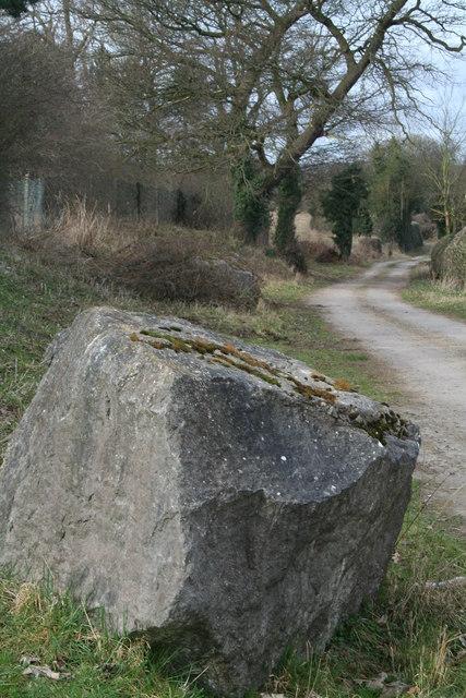 Uncommemmorative stone