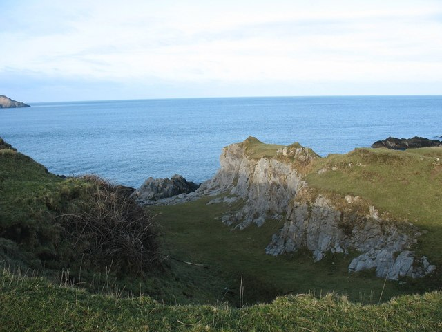 The seaward end of an old limestone quarry near Trywn y Parc