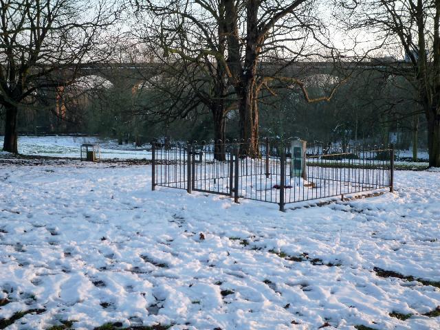 Scouts War Memorial, Churchfields Recreation Ground, Hanwell (snow scene)