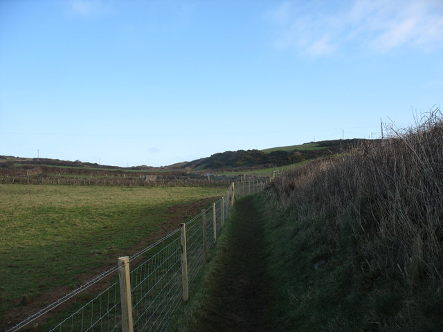 The link between the coastal path and the road to Llanbadrig