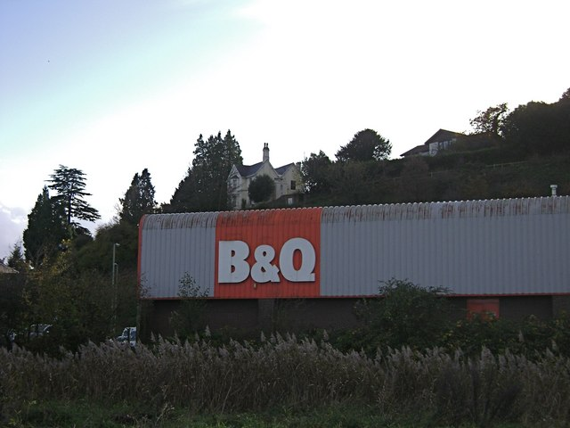 B&Q and Knowles Hill