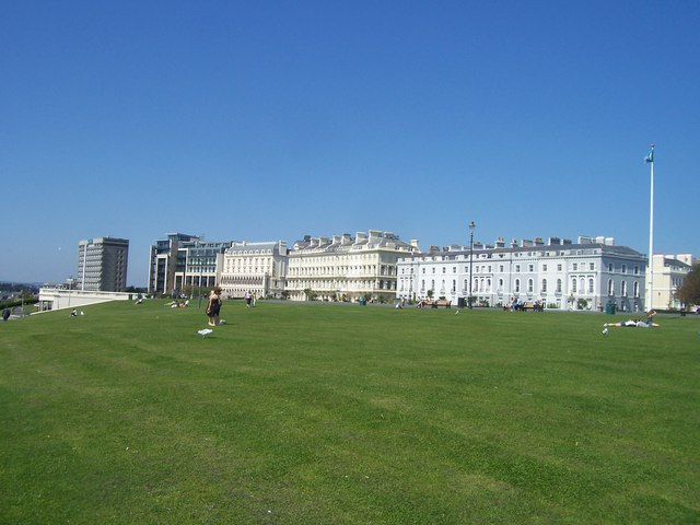 Plymouth : Buildings on the Hoe