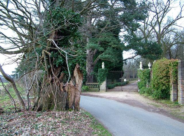 Entrance gates, Loudham Hall
