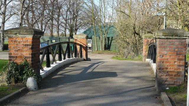 Bridge in Beddington Park