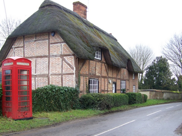 Telephone box, Longstock