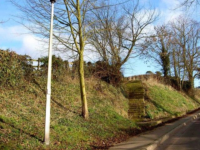 Steps to War Memorial, Grove