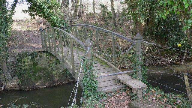 Footbridge over Hammer Stream near Chithurst