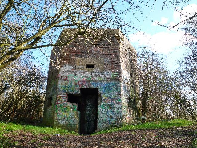 Pillbox: S0007012, Brookside, Yeading