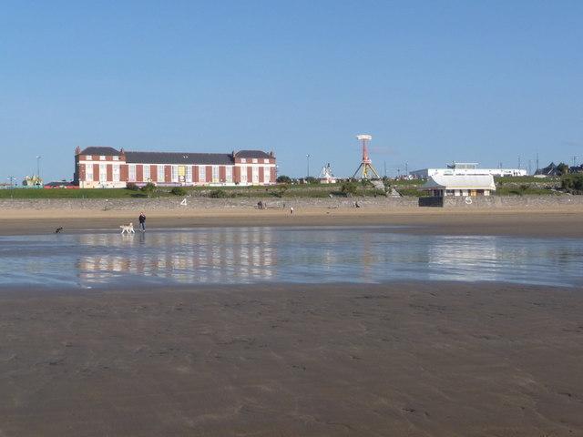 Barry Island: beachside buildings