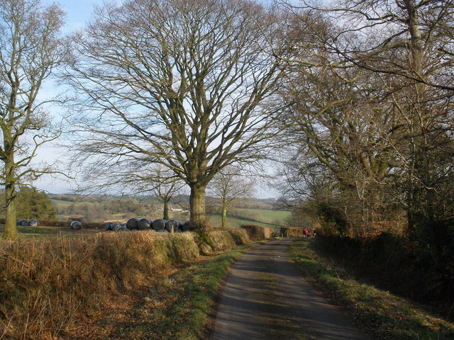 Minor road to Howstead