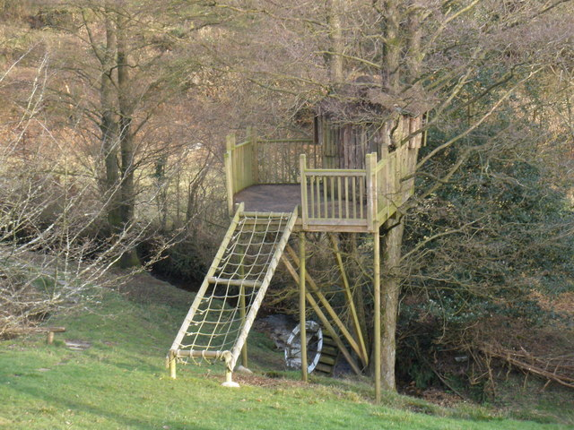 Tree house, at Higher Howstead