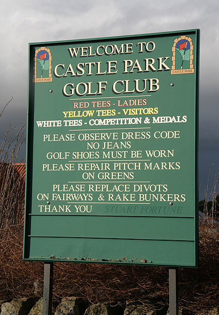 A sign at Castle Park Golf Club