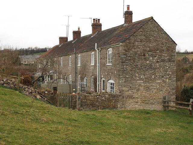 Farm cottages, Shoscombe