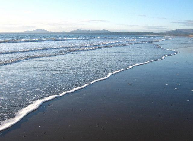 Very low tide, looking towards Llyn