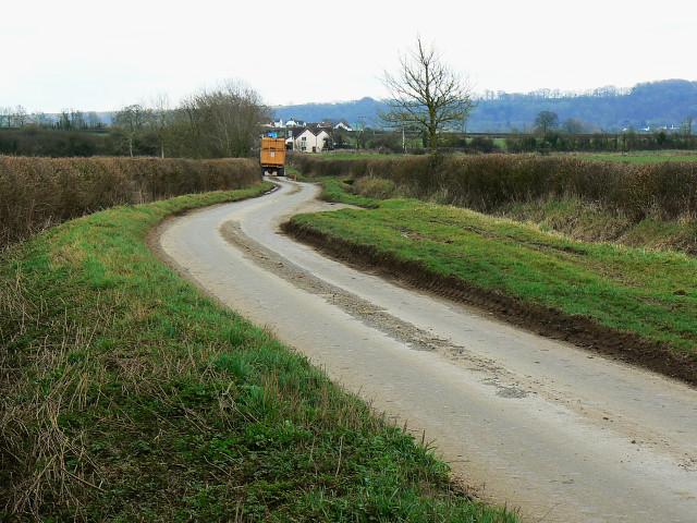 The road towards Bushton