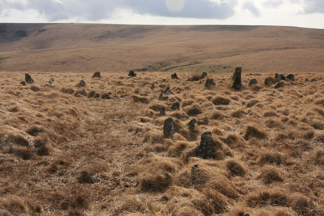 Kiss-in-the-ring stone circle
