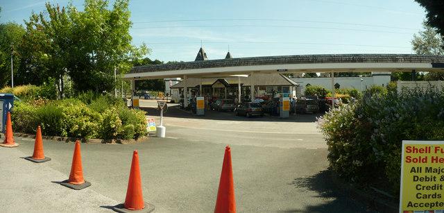 Newton Abbot : Trago Mills Petrol Filling Station