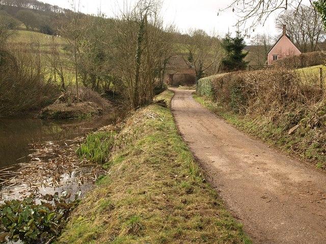 Approaching Durborough Farm