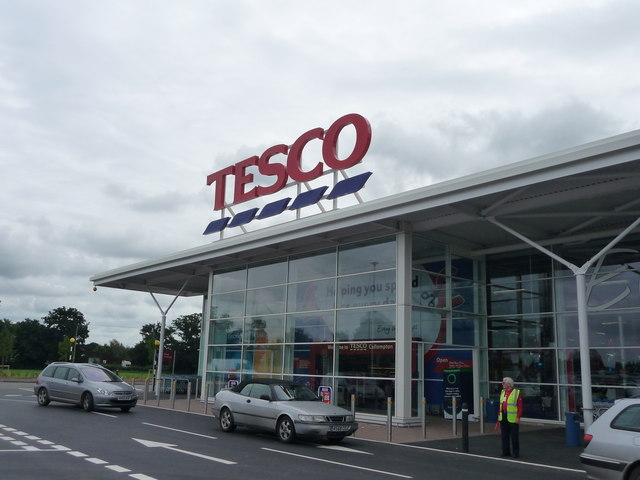 Cullompton : Tesco Superstore