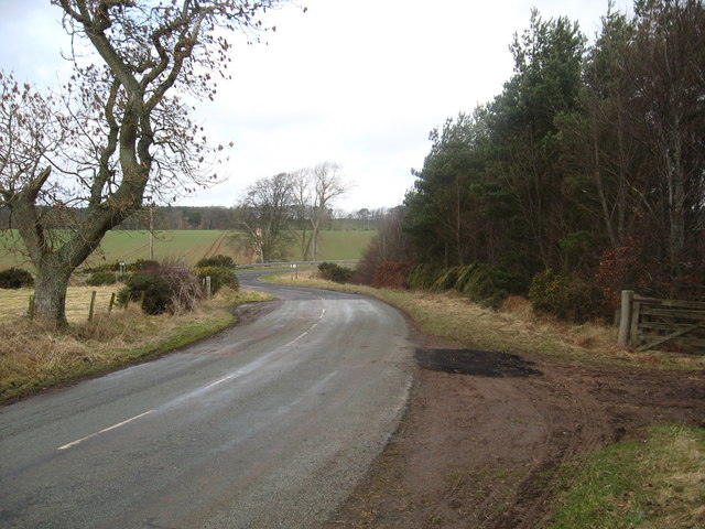 Minor road at its junction with the A6105