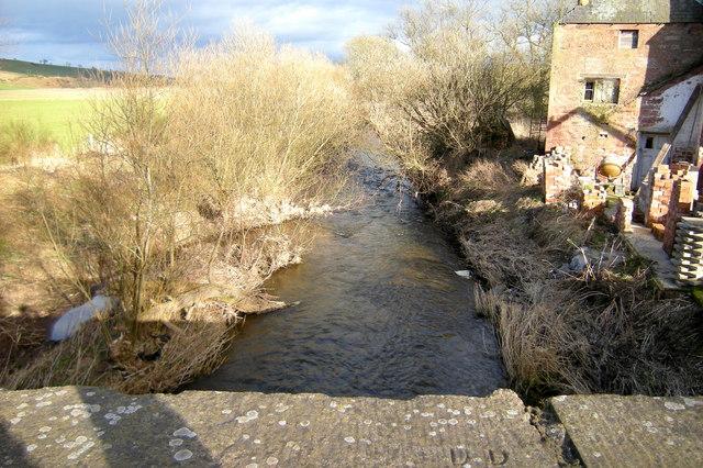 Lunan Water near Balmullie, looking downstream