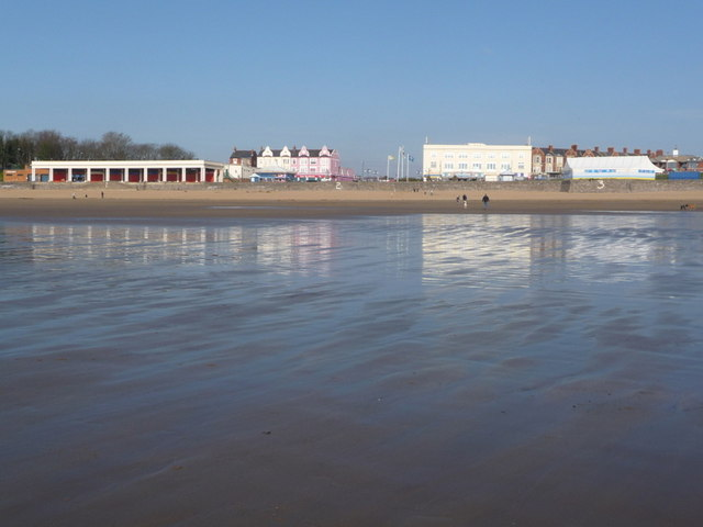 Barry Island: the beach from the shoreline