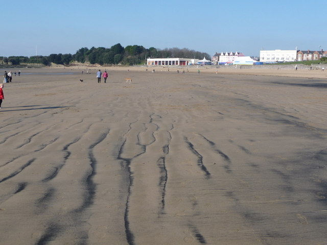 Barry Island: beach tide marks