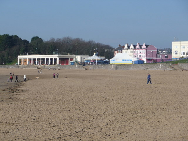 Barry Island: the sands of Whitmore Bay