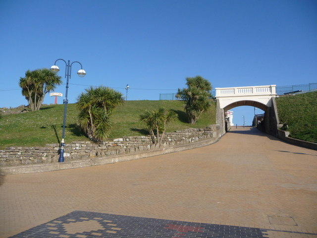 Barry Island: archway to the beach