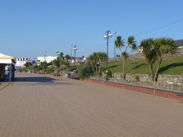 Barry Island: promenade