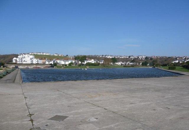 Barry: boating lake and skatepark