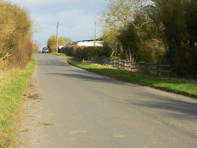 Bushton Road near Barnhill Farm, Broad Town