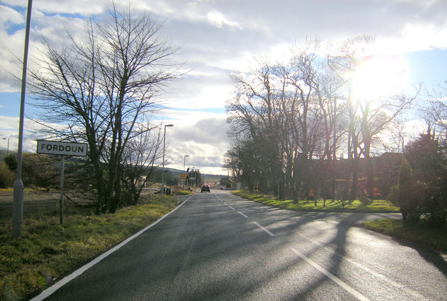 Entering Fordoun from the north