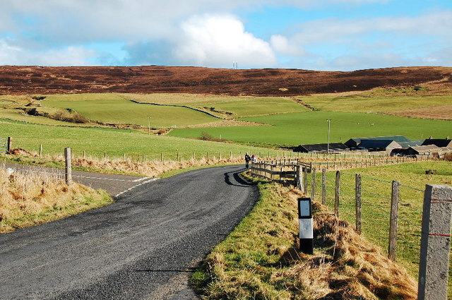 Lane junction near Skaill