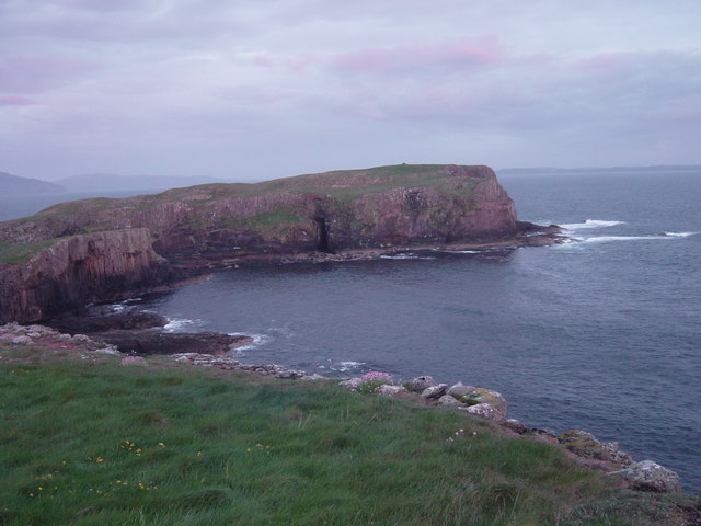 The southern peninsula of Staffa from the west coast