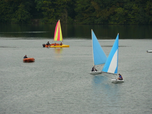 Sailing at Mercers Country Park