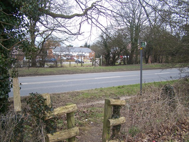 Footpath crosses A20 Ashford Road