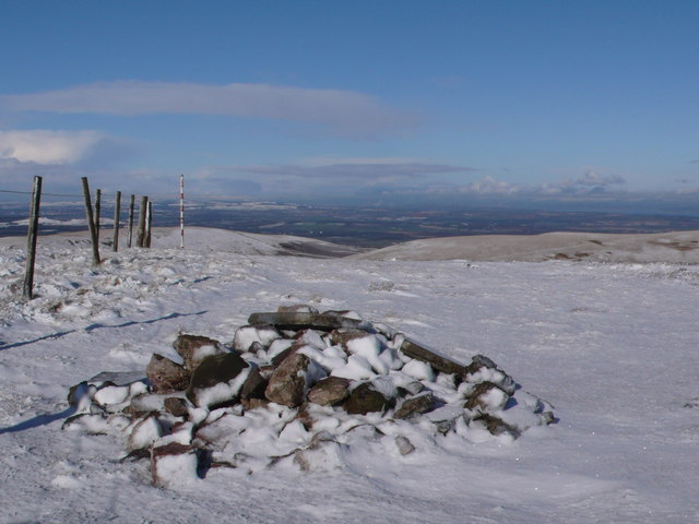 Castlelaw Hill Cairn