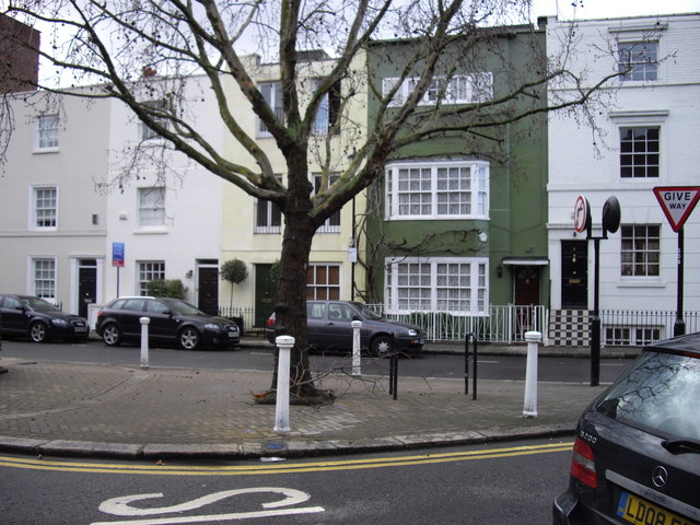 Junction of Elyston Place / Sprimont Place