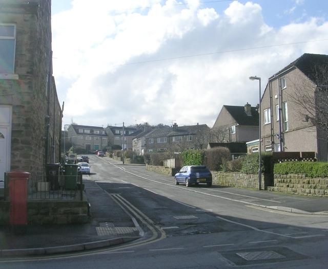 Enfield Close - Carlinghow Lane