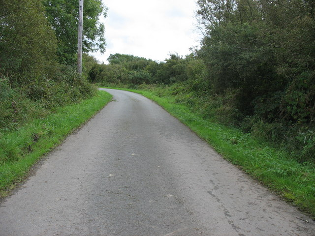 Approaching the right-angle bend in the road