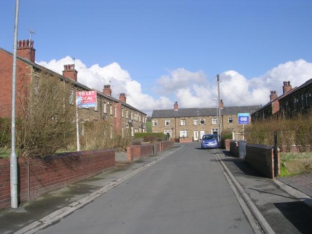 Welwyn Avenue - Carlinghow Lane
