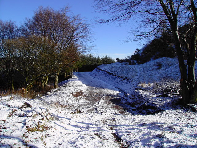 Track into Dunbarrow