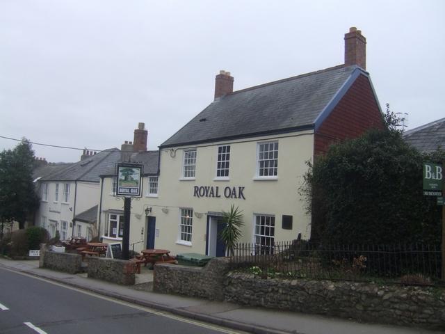 Royal Oak - Charmouth