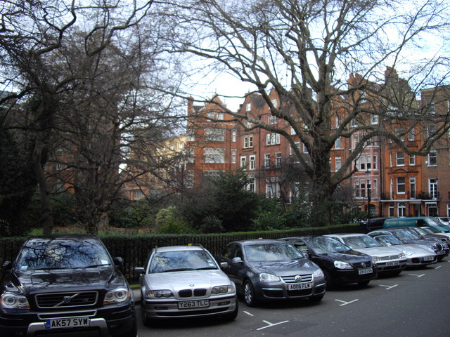 Parked cars in Hans Place